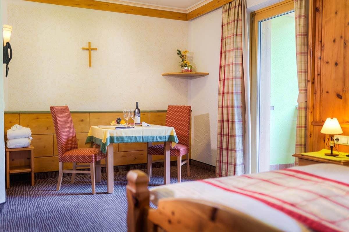 Doppelzimmer familienzimmer im hotel barbarahof for Was bedeutet familienzimmer